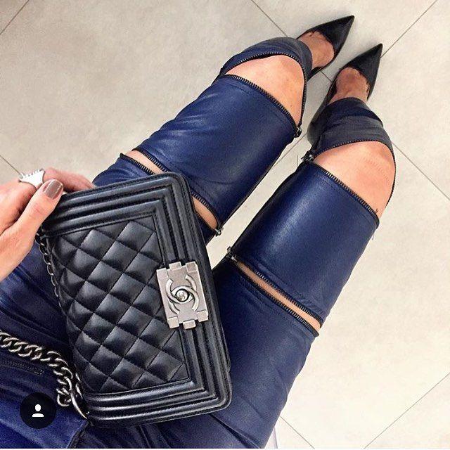 Bom diaa!! Detalhes dessa calça deuuusa! #goldendress #marcadesejo #luxo #amazing #lovers #olt #leather #fashion