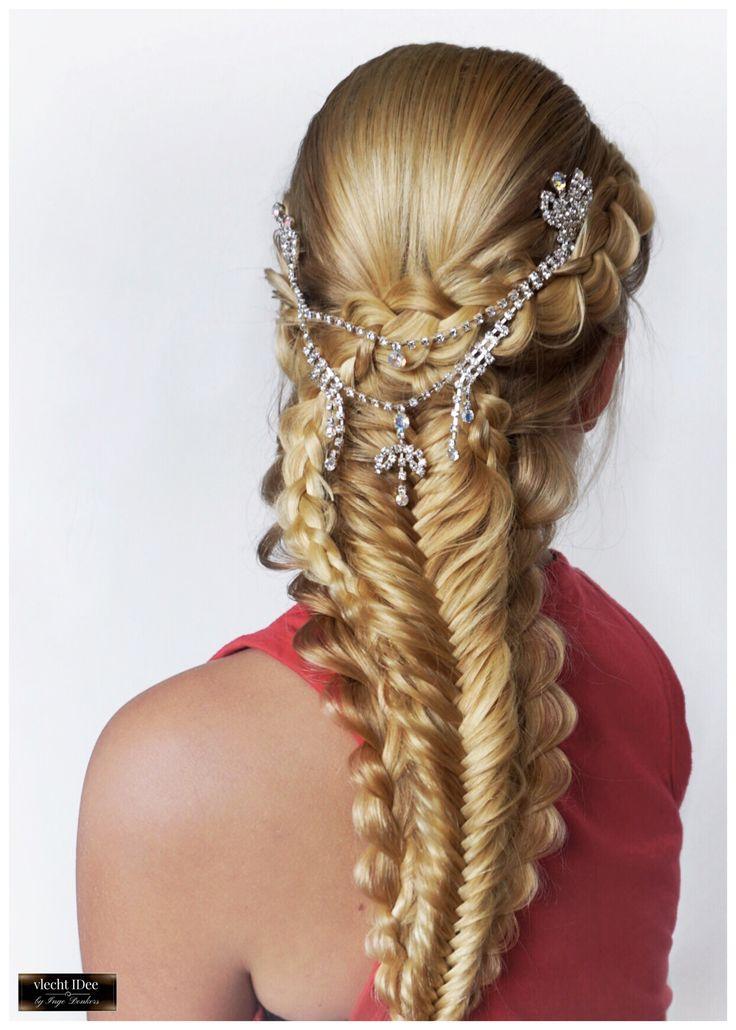 #Boho-chique #gala- or #bridal braids. Boho-chique bruids-/#galakapsel #bruiloft #bruidskapsel #bruid #vlechten #opsteken