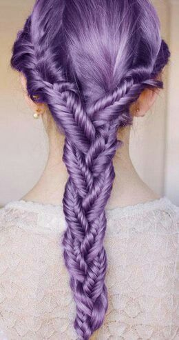 If only I could pull this off, both style and color.