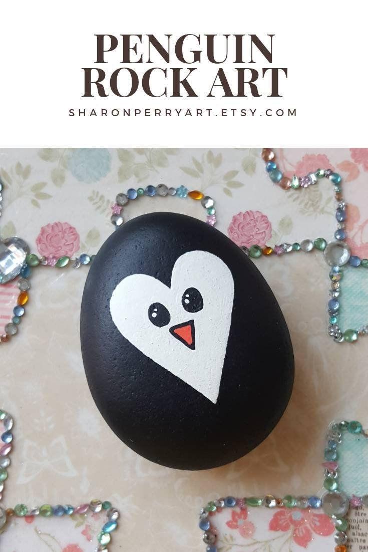 Pinguin Herz Rock Art, Painted Stone #rock # Paint #art #penguin #st …   – Basteln mit Kindern