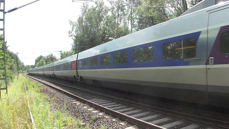 #TGV #Paris   #Frankfurt  #in #St. #Ingbert Waldstueck  #Saarland #Ein #TGV (Mehrsystem) #auf #dem #Weg #von #Paris #nach #Frankfurt #in #einem Waldstueck #bei #St. #Ingbert. #Es #gab Gleisarbeiten #am #anderen Gleis, daher #wird #der #Zug #an #der Aufnahmestelle #vom linken #wieder #auf #das #rechte Gleis geleitet. #St. #ingbert #Saarland http://saar.city/?p=36925
