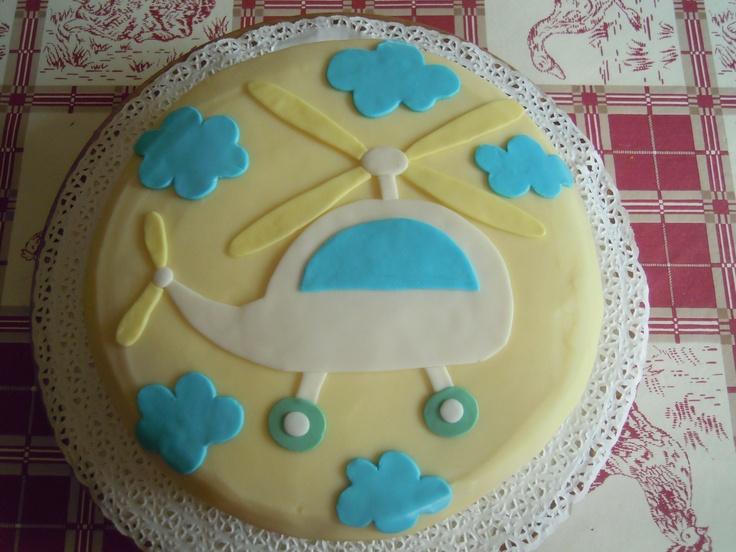 TORTA CON ELICOTTERO  http://creandosicrescecrescendosicrea.tumblr.com/post/27963028968/torta-con-elicottero-per-giorgio-2-anni-pan-di