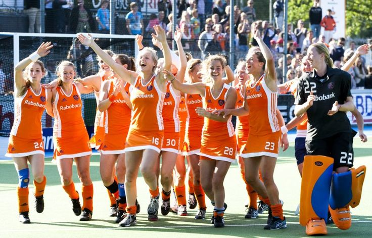hockey-meisjes17aug_jpg_crop_display.jpg 900×577 pixels