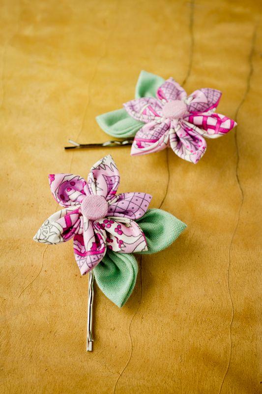 Kanzashi-Blumen: Blüten aus Stoff nähen