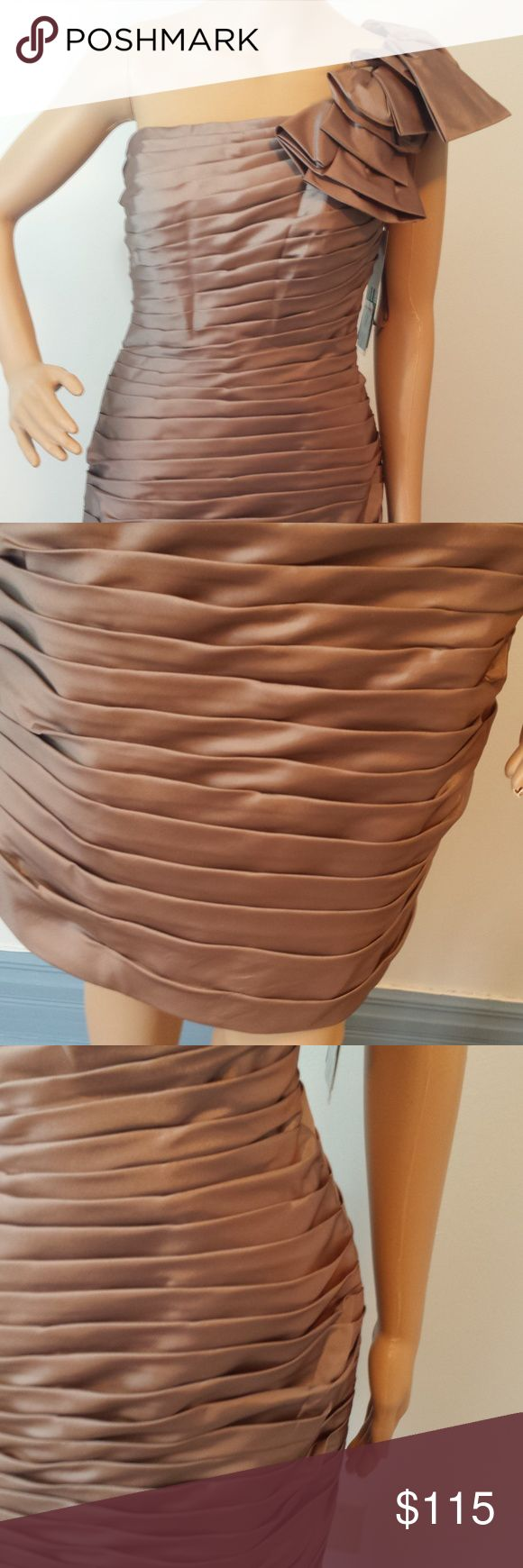 """Mari Lee Knee Length Neutral Prom Formal Dress A few wrinkles (photo 3).  Great condition otherwise.  37"""" total length. Mari Lee by Madeline Gardner. Mari Lee Dresses"""