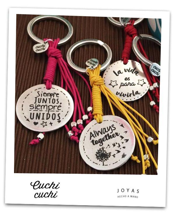 8ebe76d037e1 Llaveros personalizados con mensajes de amistad y regalos para amigas   always together.