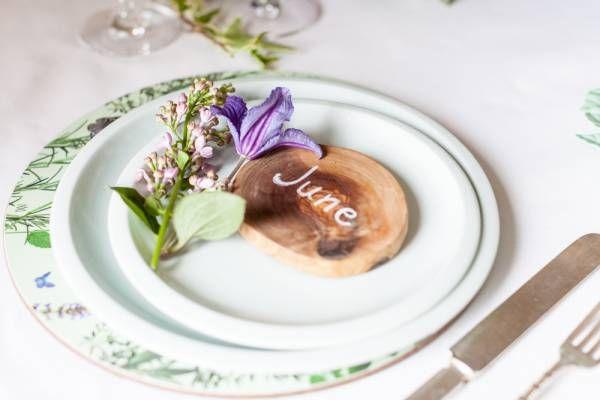 Purple and Green Garden Wedding Table Inspiration   Confetti