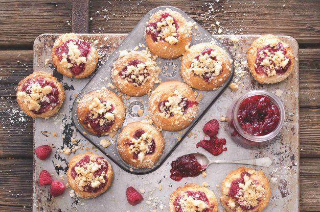Malinové muffiny s drobenkou | Apetitonline.cz