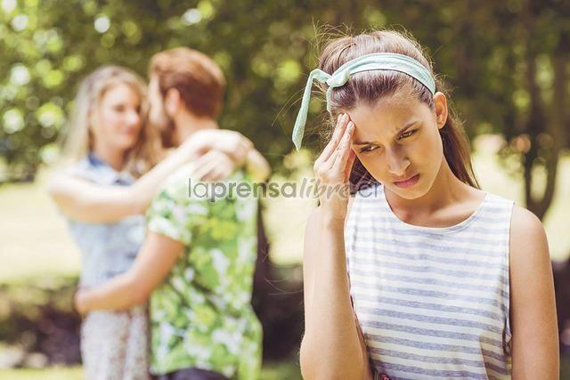 """Parece que básicamente ya nadie le tiene mucha pena a la infidelidad. (Benjamín Núñez Vega)  """"Algo que fue totalmente sorprendente en este estudio es que las mujeres se igualan a los hombres, antes se creía que solo era una acción de venganza en contra de su pareja, sin embargo, ahora es algo muy parejo.  Vale comentar que las mujeres cuando tienen algún amante prefieren pasarlo con él durante las fechas navideñas, mientras que los hombres la pasan con su respectiva pareja para evitar…"""