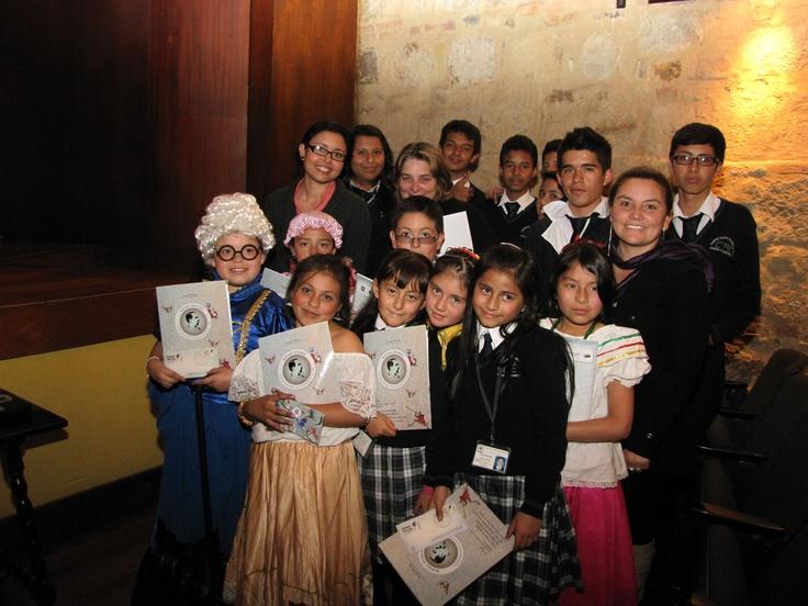 Niños, niñas y la Ministra de Cultura departen en el Museo Nacional.  Crédito Miltón Ramírez @FOTOMILTON/ MinCultura 2012