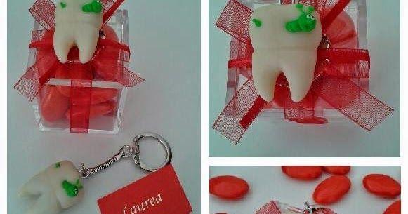 Una bomboniera con un soggetto spiritoso per celebrare una laurea in odontoiatria: il dente!   Materiali:   - scatoletta in plexiglass con ...