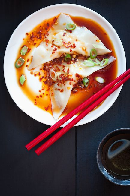 Shrimp Wontons with Spicy Sauce Recipe: Shrimp Wontons Spicy Sauces, Spicy Recipes, Spicy Shrimp, Sauce Recipes, Chinese New Years, Homemade Shrimp, Sunday Suppers, Wontons Wrappers, Sauces Recipes