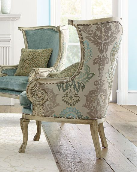 Silver damask chair house designs for Sillas tapizadas estampadas