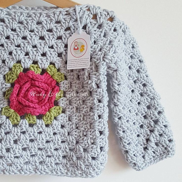 """Evening! Nothing new to show you tonight so I am sharing this grey rosey posey top again  We have had an awful day with two trips to the doctors for poor…"""