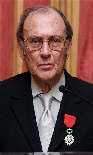 Photo of Harold Pinter wearing the French Legion d'honneur, awarded January 17, 2007 at the French Embassy in London. Photo by Carl de Souza for the Associated Press.