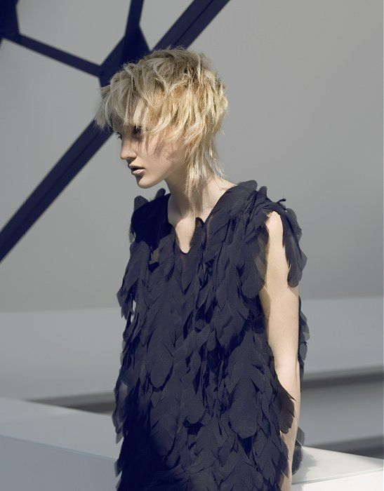 Medium Blonde Straight Coloured Choppy Rock Chick Womens Haircut Hairstyles For Women Hairdos