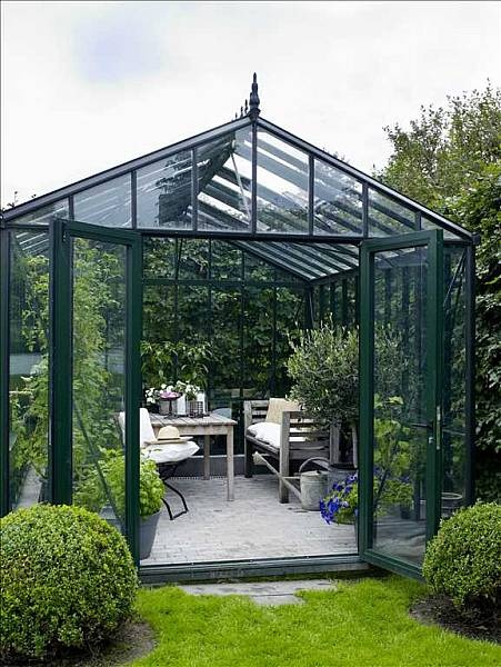 conservatory/greenhouse~onto the wish list...which is getting very long