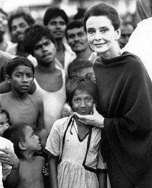 Bangladesh, 1989. Copyright © UNICEF/3790-89/John Isaac.