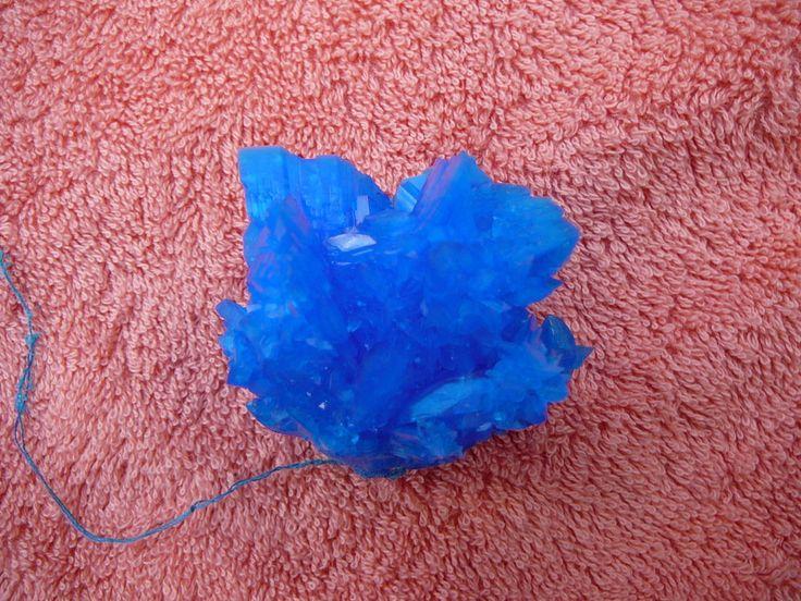 Blauer Kristall aus Kupfersulfat, Rarität, Zuchtkristall, Top Zustand, Neu !!