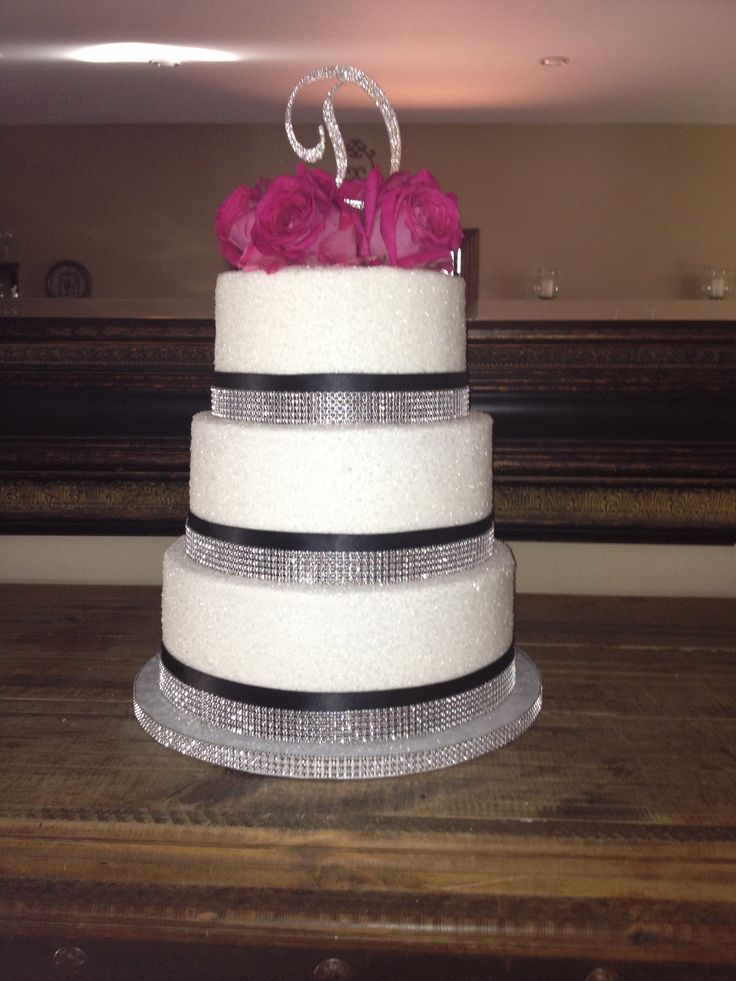 17 best images about wedding cake ideas on pinterest beautiful wedding cakes hollywood. Black Bedroom Furniture Sets. Home Design Ideas