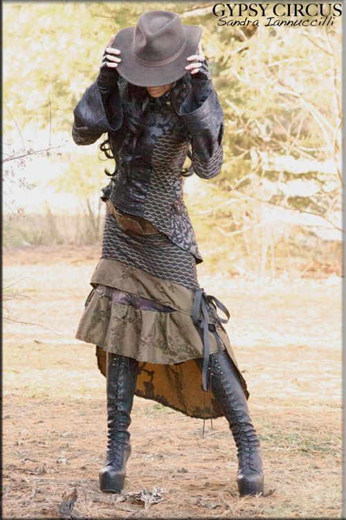 Jupe - Steampunk - Burning Man - Playa Wear - jupe Tribal - Gypsy Bohème - mode gothique - Bourgogne - taille s  Ellolight Collection W / 2015  Jupe
