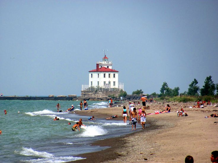 Headlands Beach State Park, an Ohio park located near Chardon, Chesterland and Cleveland