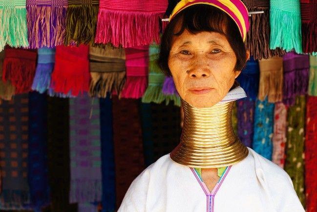 IMAGEN-CORPORALIDAD // tribu mujeres jirafa en Tailandia