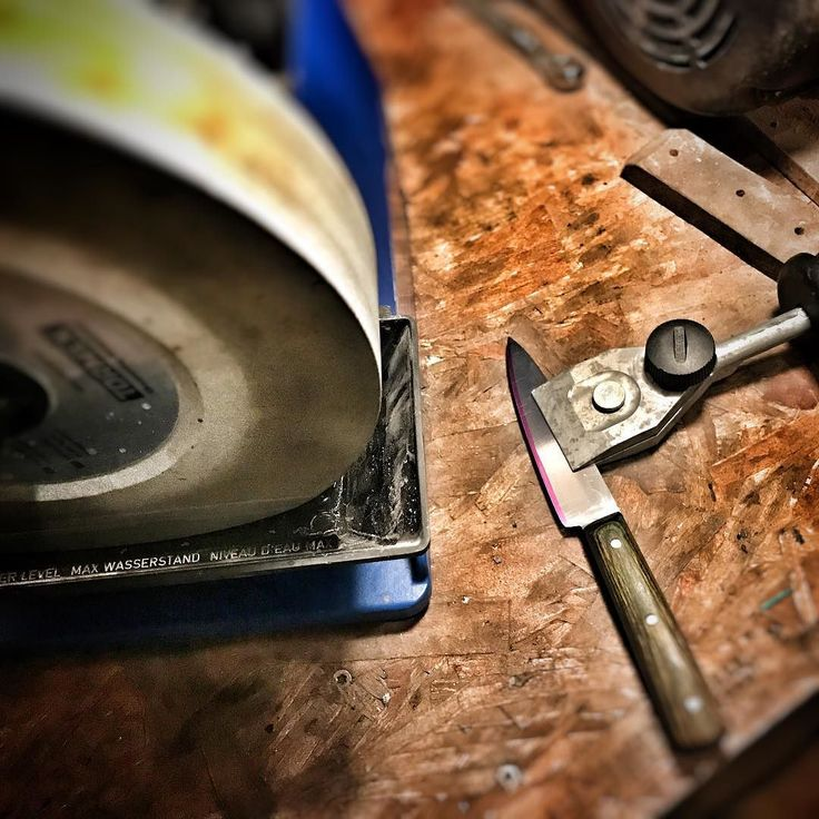 #tormek #sharpener #knifesharpening #pnw #northwesterner #islandlife #pacificnorthwest #rootblade #rustic #cutlery #makersgonnamake #rusticcutlery #bladesmith #bladesmithing #bladesmiths #handmade #knife #knifecommunity #customknife #blacksmithing #handmadeknives #knifemaking #knives #blacksmith #customknives #knifeporn #forge #knifemaker #forged