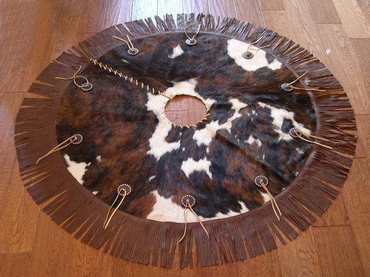 western christmas tree skirt - I don't care for the fringe but love the idea!!