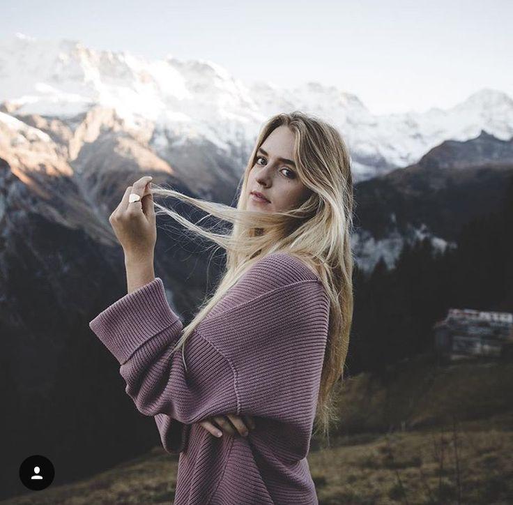 задаёмся позы для фотосессии на фоне горы меня никак возбуждают