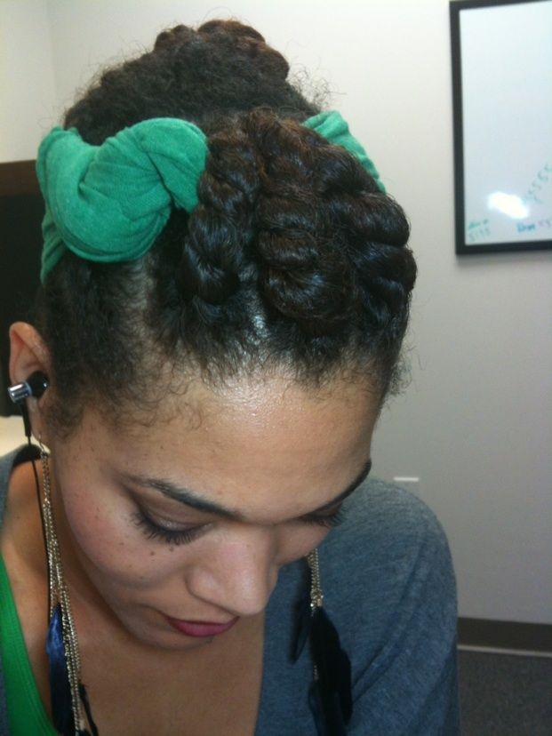 Remix! old twists 2- pic 2>>Cute style. The blogger says the headband is made from a T-shirt.