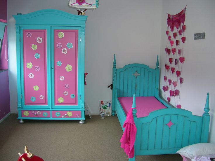 ... about Childrens furniture. on Pinterest  Brocante, Bureaus and Beds
