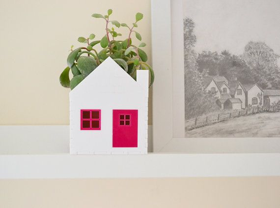 Planter little house white and hot pink ideal for succulent and cactus  free UK  p&p