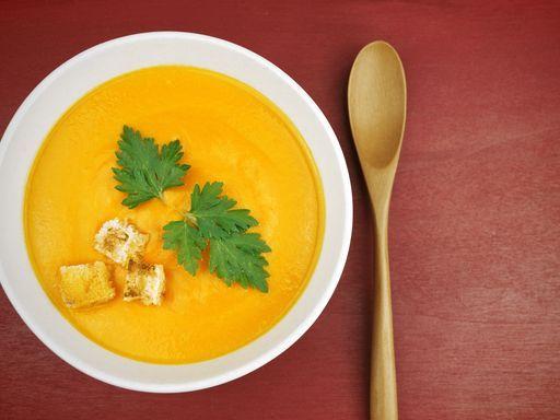 Soupe au chou-fleur, carotte et cumin - Recette de cuisine Marmiton : une recette