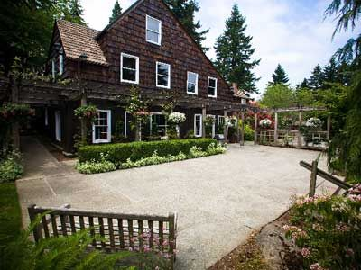Seattle Bride At Robinswood House Bellevue Weddings Wedding Venues 98105 Really Love This Place And Its Affordable