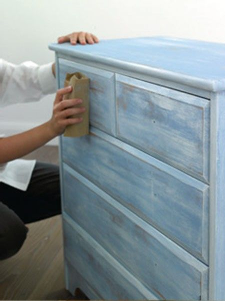 Möbel Im Shabby Chic Style Umgestalten. Shabby Chic Oberfläche Schaffen  DIY. Shabby Chic Selber