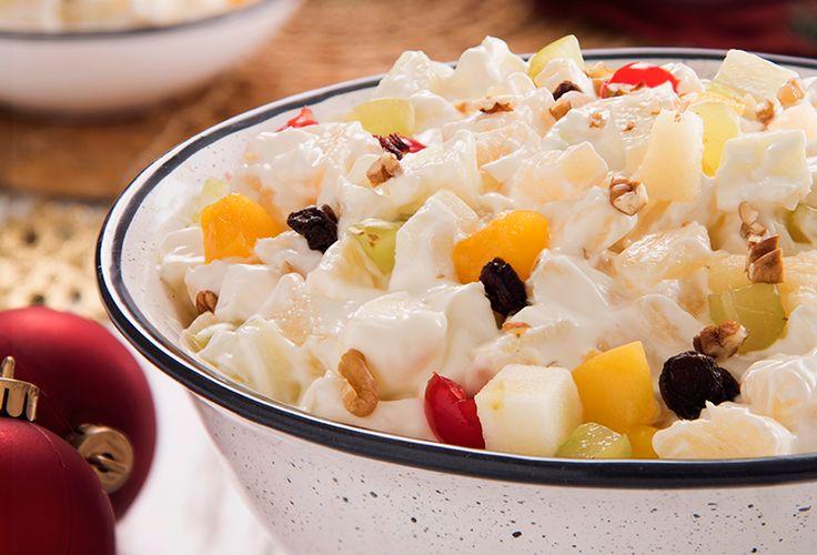 Prepara una deliciosa ensalada navideña de manzana como postre para esta cena de navidad. ¡Sorprende a todos y disfruta de la época navideña!