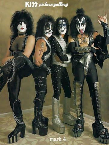 KISS- MY FAVORITE BAND IN THE WORLD!