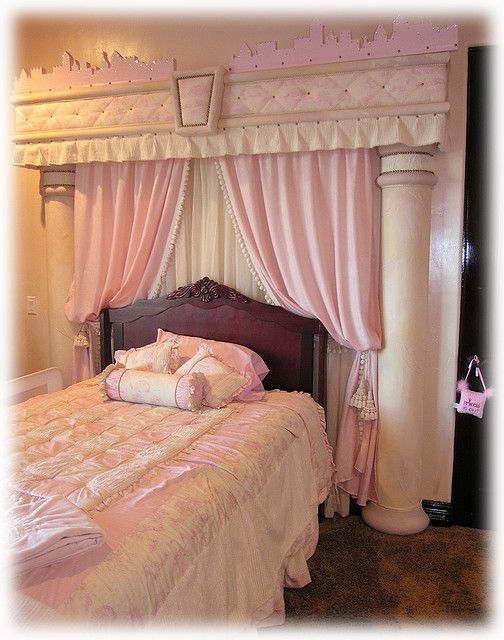 pink girls bedroom decor.. Omg if I ever had a daughter this would be a necessity!!
