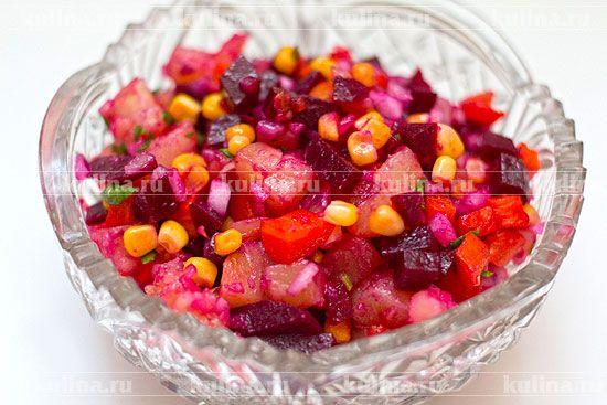 Салат из свеклы с кукурузой - рецепт с фото