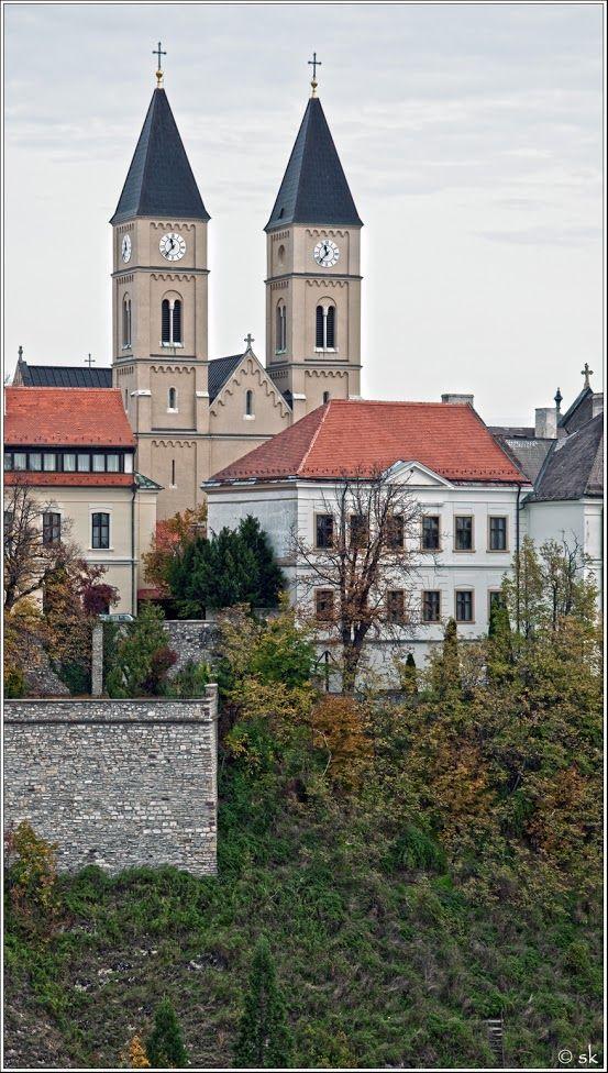 Veszprém, Szent Mihály székesegyház a várban. Hungary