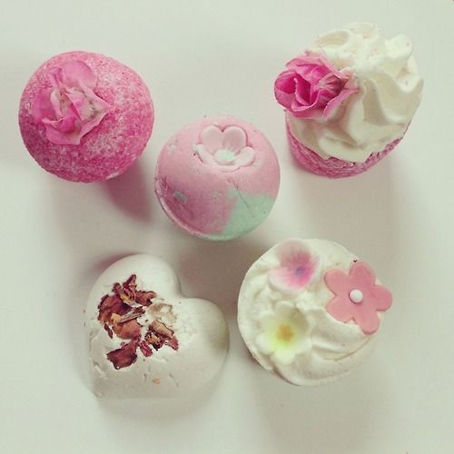 rosyteen: Bath bombs!!! My photo! Please don't change the source! You can follow me on instagram: elvirameow! x