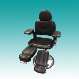 Pedicure Behandelstoel SilverStar. Pedicure Behandelstoel SilverStar is weer binnen!  Hydraulisch bedienbaar en met draaibare beendelen.  In de kleuren wit en zwart