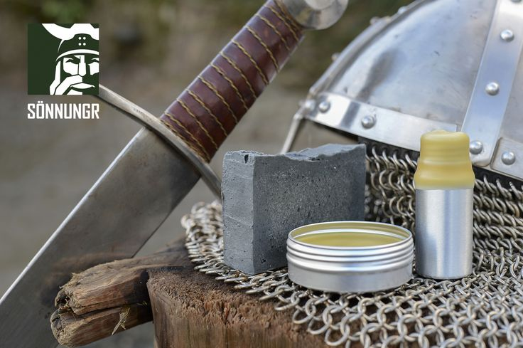 Víkingasekkr: 100% Natural Viking Essentials Kit. Traditional nordic ingredients. All naturally extracted without the use of chemicals. Handmade with natural seed oils, sheep wool oil, bees wax, honey, plant extracts, and naturally extracted essential oils.