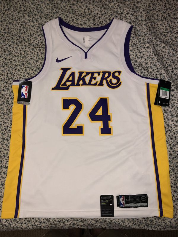 Los Angeles Lakers Kobe Bryant Jersey White Swingman Size Xl 52 Brand New With Tag Jersey Outfit Used Clothing Clothes