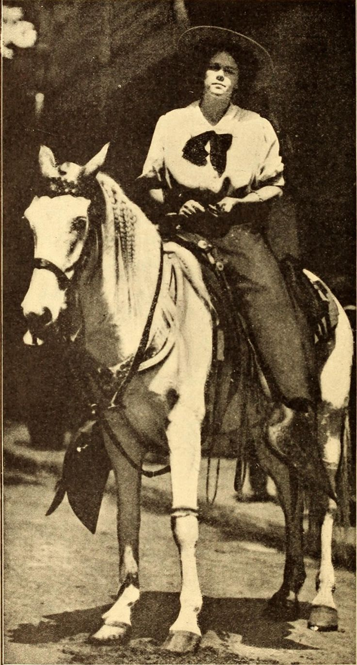 Rare Pictures of Lucille Mulhall - The First Cowgirl of America