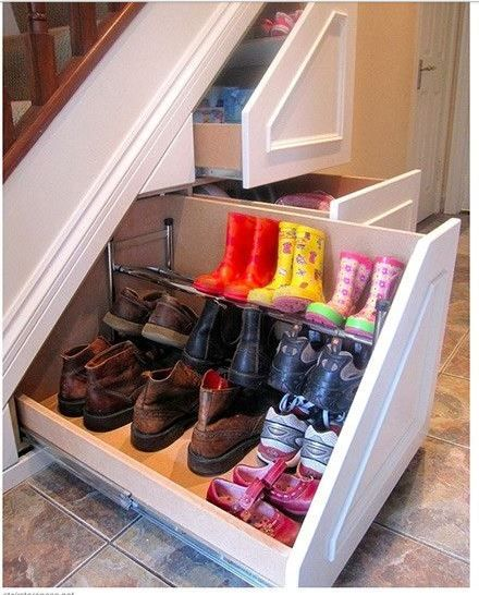 schoenen lade kast onder de trap