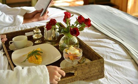 Start planning your weekend getaway NOW!  Relax and unwind whilst indulging in a little 'Barefoot Luxury' Pay for three nights, but stay for four!  This awesome special is valid from the 1st to the 18th December and then again from the 10th Jan to the 10th Feb 2015.  To find our more, just contact us on 013 737 6500 or alternatively on 087 231 0112