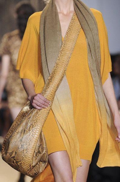 Cette écharpe était une merveille... mais 700 euros quand même.. :- 