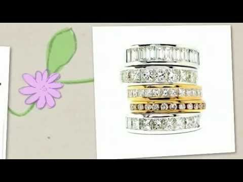 Anillos de boda con diamantes, de http://www.diamantesdecompromiso.com Diseños únicos, pensados para ti, como tu anillo de compromiso. Elige tus   alianzas de boda en oro blanco con diamantes; vuestro amor merece lo mejor.